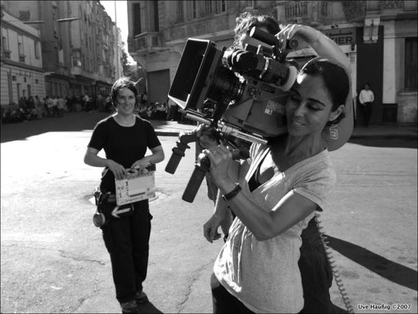 Shirin Neshat durante le riprese (Gladstone Gallery, New York)