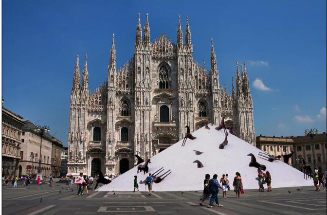 Dal 21 marzo, per l'anniversario dell'Unità d'Italia, la Piazza del Duomo di Milano ospiterà la «Montagna del Sale» di Mimmo Paladino, installazione dal diametro di 30 metri e altezza di 20