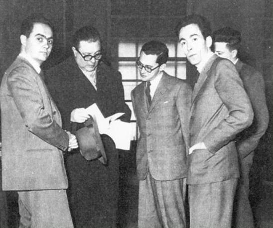 Primo convegno Amici e collaboratori del Mulino, 1954. Da sinistra: Luigi Pedrazzi, Felice Battaglia, Nicola Matteucci, Antonio Santucci, Pier Luigi Contessi