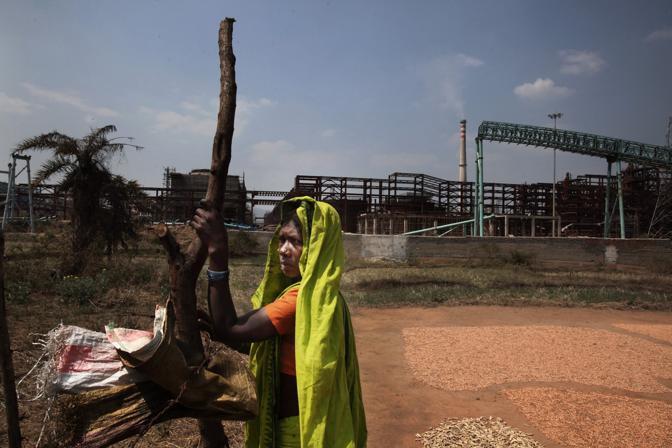 Il villaggio di Bandhagupa, la raffineria della Vedanta è stata costruita accanto al villaggio (