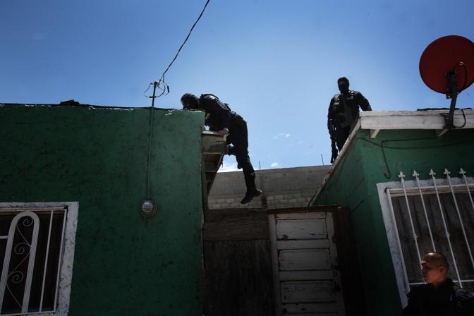 Operazione della polizia federale alla ricerca di narcotrafficanti (Luigi Baldelli/Parallelozero)