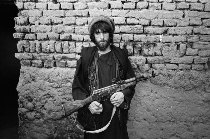 Valle del Panshir 2001, un combattente mujaidin