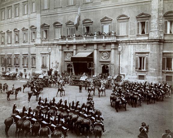 Corteo reale alla prima seduta di una legislatura fine Ottocento