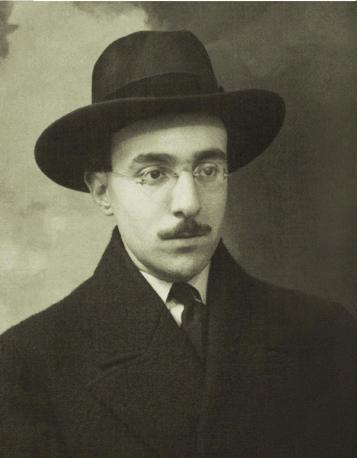 Figura emblematica e tra le più rappresentative del Novecento, quella del portoghese
