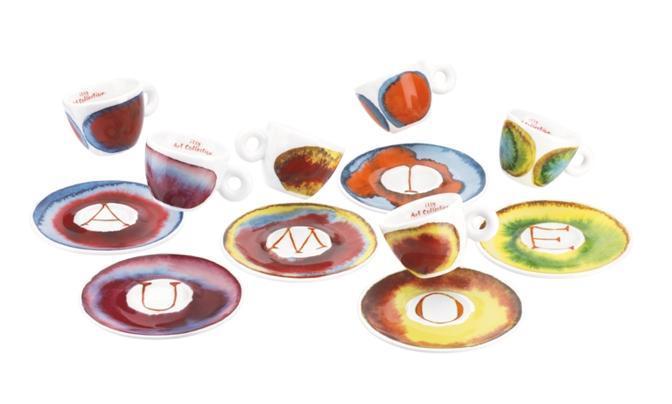 Le tazzine disegnate da Francesco Clemente per la Art Collection del caffè Illy