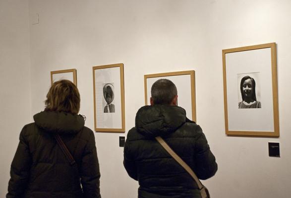 Alcuni tra i ritratti esposti, realizzati da Tina Modotti
