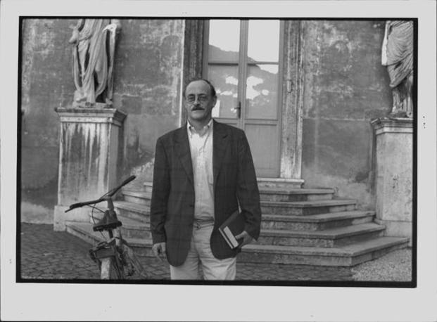 Antonio Tabucchi era nato a Pisa nel 1943, tra i massimi esperti mondiali di letteratura portoghese era diventato celebre con il romanzo «Sostiene Pereira» (LaPresse)