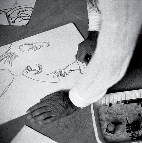 Pier Paolo Pasolini, a Chia mentre disegna - © Dino Pedriali by Siae 2011