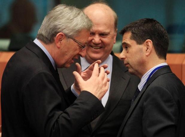 Sachinidis con il presidente dell'Eurogruppo, Jean Claude Juncker (Ansa)