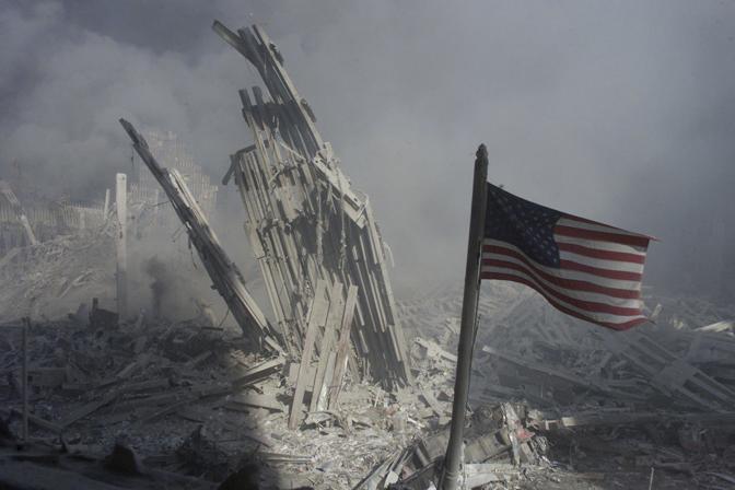 11 settembre 2001: il World Trade Center dopo l'attacco (Peter Morgan/Reuters)
