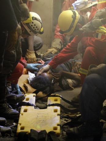 Una ragazza di 26 anni salvata da soccorritori francesi (Ap)