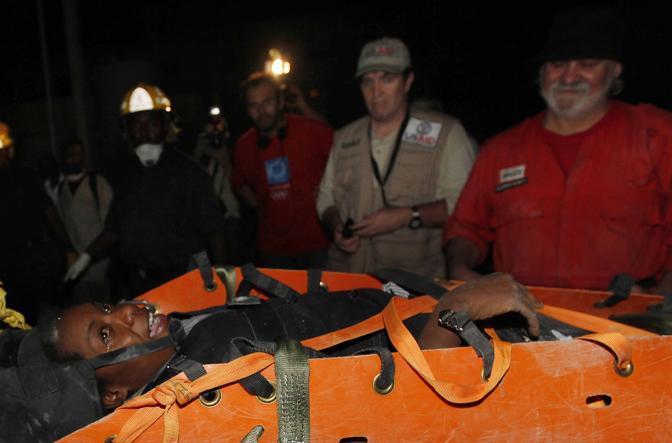 La 26enne salvata da soccorritori francesi (Ap)