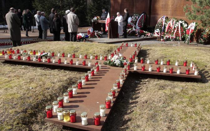 Messa per le vittime a Katyn, in Russia (Reuters)