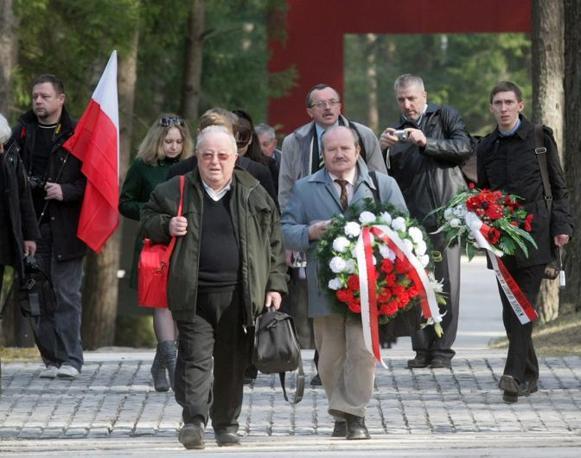 Messa per le vittime a Katyn, in Russia (Epa)