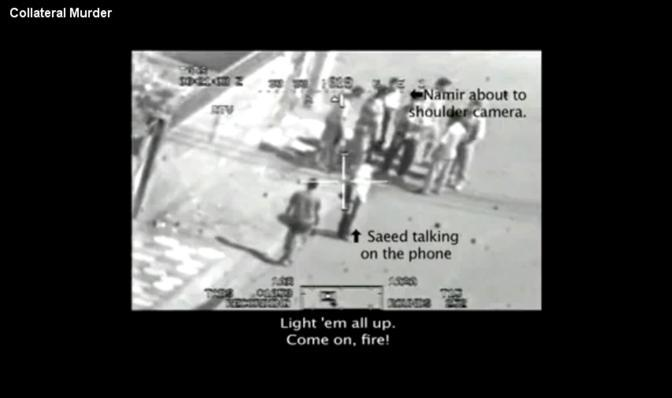 Alcuni frame tratti dal video diffuso da Wikileak che mostra l'uccisione di due reporter della Reuters e di altri civili a seguito dell'attacco di un elicottero americano. I giornalisti sono stati scambiati per militanti a causa dei teleobiettivi delle loro macchine fotografiche: i soldati Usa pensavano potessero essere lanciarazzi (Reuters)