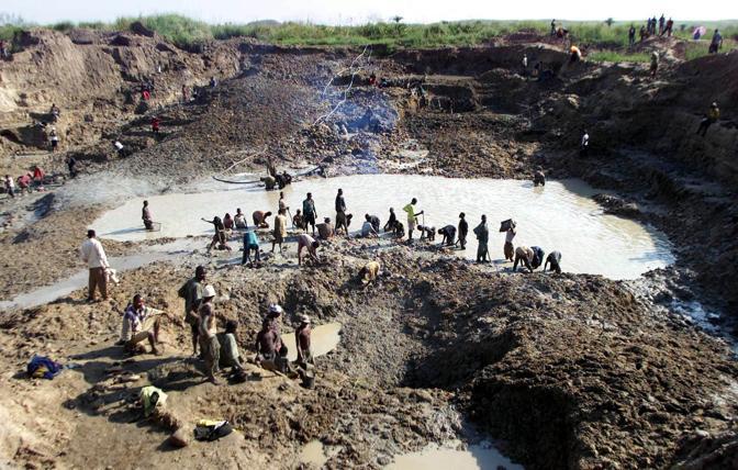 Una miniera di diamanti nei pressi del villaggio di  Bakua Bowa (Ap)