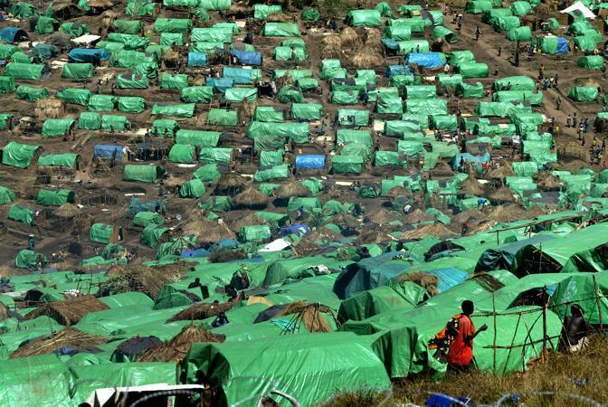 Un campo profughi 40 km dalla città di Bunia (Ap)