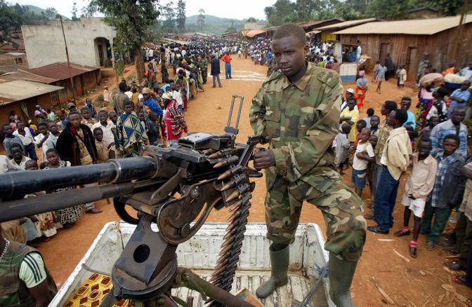 Un ribelle dell'Union of Congolese Patriots nel villaggio di Barriere (Reuters)