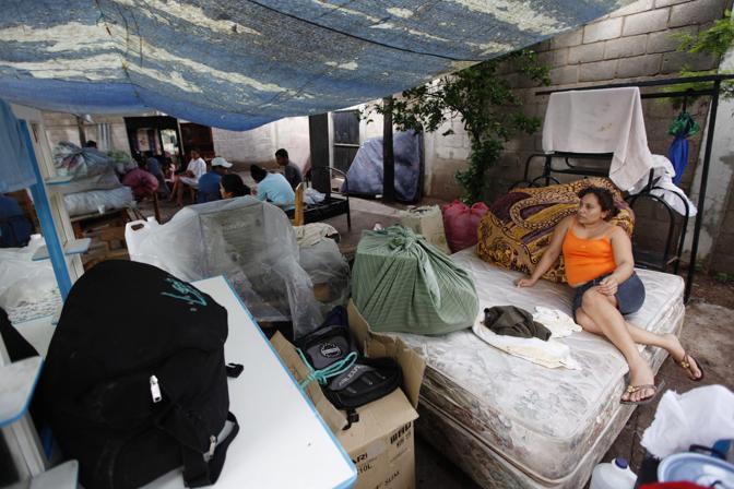 Un accampamento di fortuna a Tegugicalpa (Reuters)