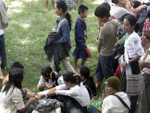 Rifugiati birmani in Thailandia (Ap)