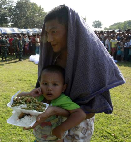 Rifugiati birmani in Thailandia (Ap/Weerawong)