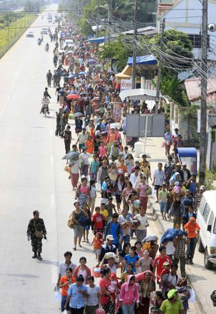 Rifugiati birmani in Thailandia (Reuters/Subprasom)