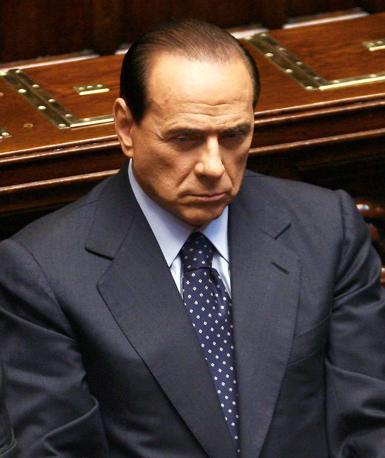 Per i diplomatici Usa, stando ai giudizi riportati da Wikileaks, Berlusconi «suscita a Washington sfiducia profonda», è «fisicamente e politicamente debole» a causa delle «frequenti lunghe nottate e l'inclinazione alle feste» ed e visto «sempre più come il portavoce di Vladimir Putin in Europa» (Ansa)