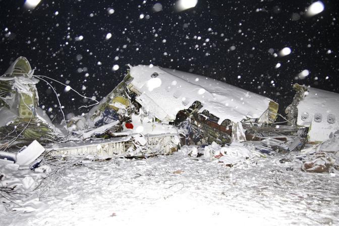 Aereo Privato Caduto In Iran : Iran precipita aereo morti feriti