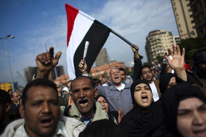Alcuni dei partecipanti alla mobilitazione promossa dal movimento 6 Aprile che ha indetto una grande manifestazione per chiedere l'allontanamento del presidente Mubarak (Ap)