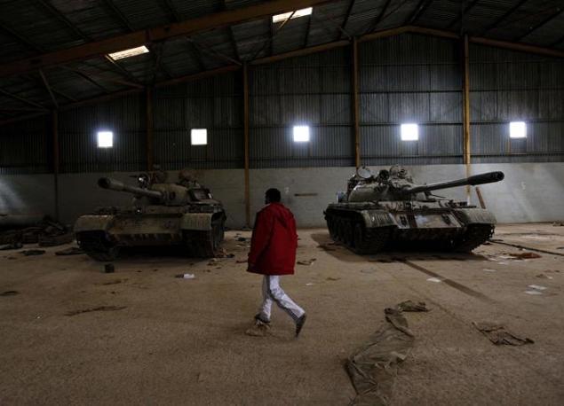 Carri armati libici abbandonati dai governativi