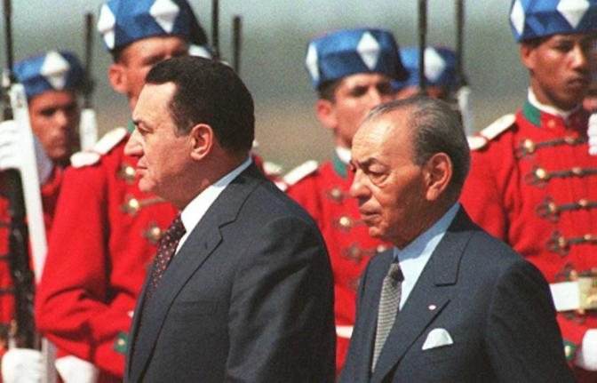 Hosny Mubarak  con re Hassan II del Marocco (Ansa)