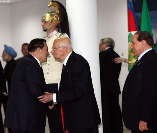 Hosny Mubarak con Giorgio Napolitano (Imagoeconomica)