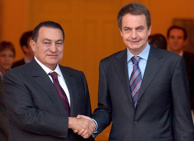 Hosny Mubarak  con Jose Luis Rodriguez Zapatero (Ansa)