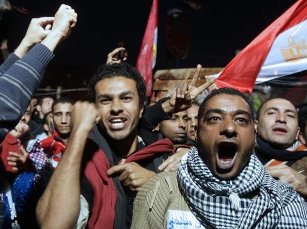 Mubarak si dimette: boato in piazza Tahrir (Epa)