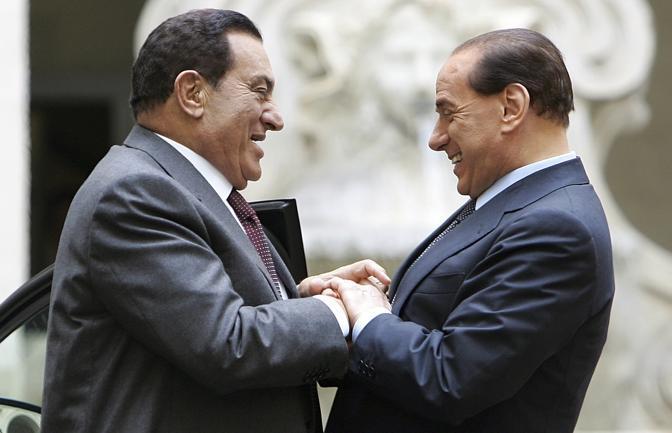 Mubarak con Silvio Berlusconi