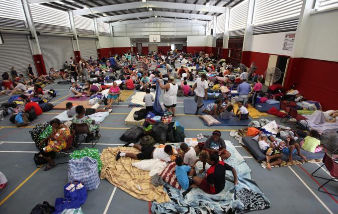 Preparativi in uno dei rifugi (Epa)