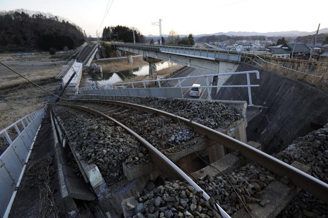 Una strada tra Futaba e Fukushima (Epa/Robichon)