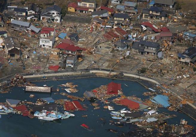Quel che resta del porto di Kesennuma (Ap)
