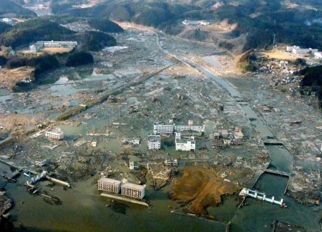 Quel che resta della cittadina di Minamisanriku: 10 mila i dispersi (Reuters)