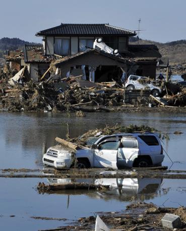 Distruzione a Sendai (Epa)