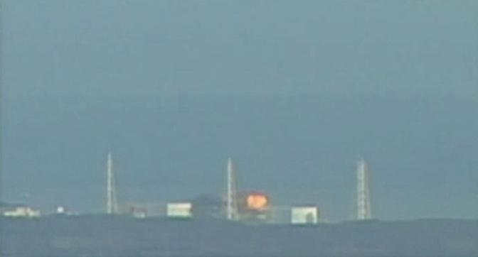 Alle 11,01 di lunedì (le 3,01 in Italia) ci sono state due esplosioni al reattore 2 della centrale nucleare di Fukushima 1 (Reuters/Ntv)