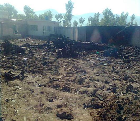 L'elicottero Usa abbandonato per un problema tecnico nei pressi del complesso in cui era nascosto Osama Bin Laden ad Abbottabad (Epa)