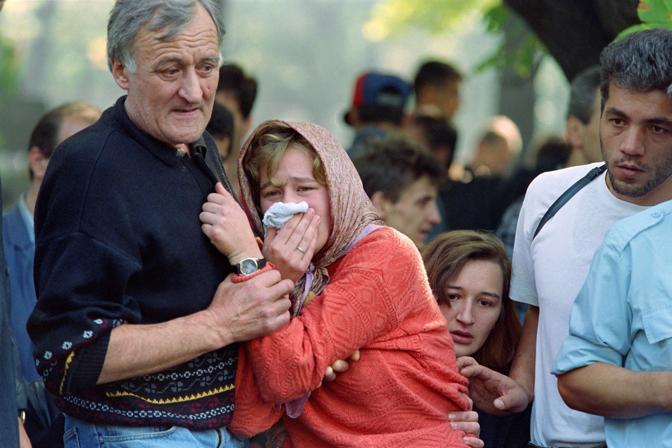 Settembre 1992. Il dolore della popolazione di Sarajevo (Ap)