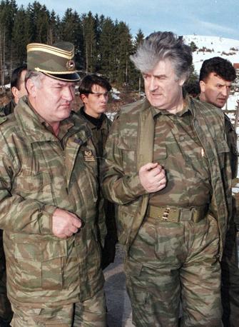 Mladic e Karadzic nel 1995 (Reuters)