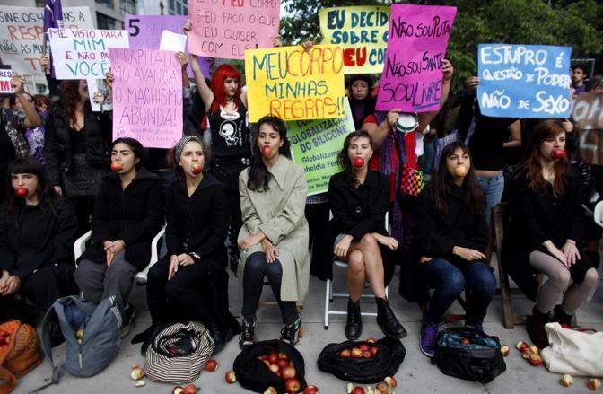 SlutWalk  a San Paolo (Reuters)
