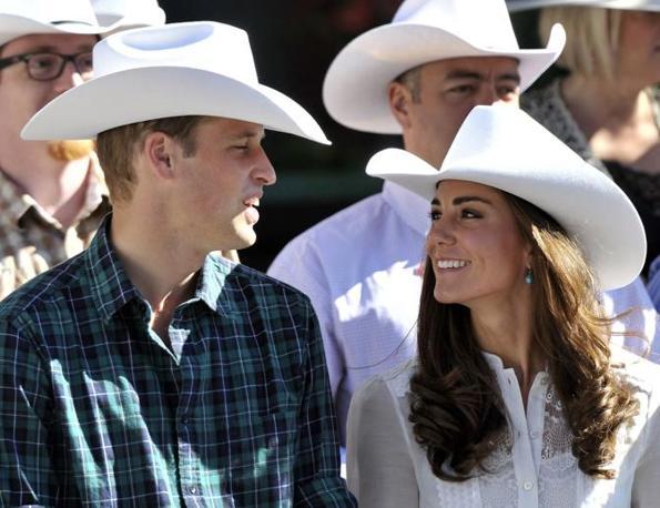 Con il cappello da cowboy (Ap)