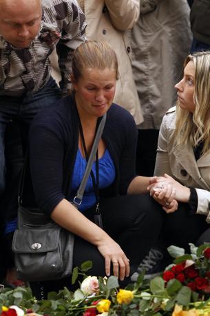 Davanti alla cattedrale di Oslo (Reuters)