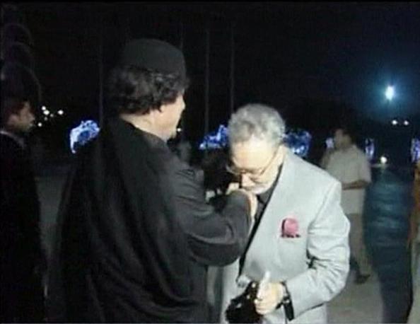 21 agosto 2009: Gheddafi incontra l'attentatore di Lockerbie Abdel Basset Al Megrahi rilasciato dalle autorità britanniche (Reuters)