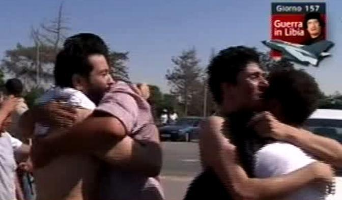Un fermo immagine tratto da sky tg24 mostra un momento delle manifestazioni di giubilo in Libia (Ansa)