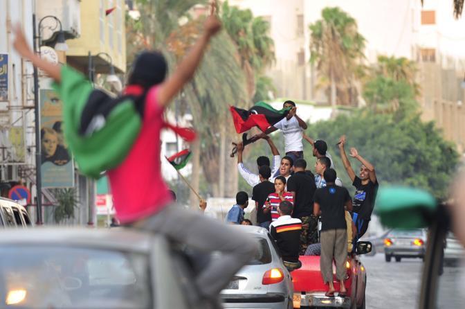 Festeggiamenti a Tripoli (Esam Al-Fetori/Reuters)